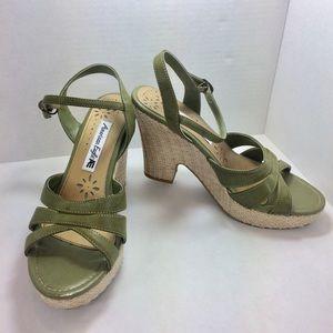 American Eagle Green Sandal  High Heels 8